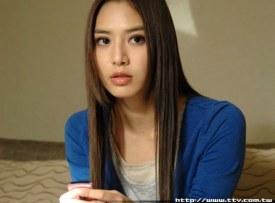 Bianca Bai as Anna
