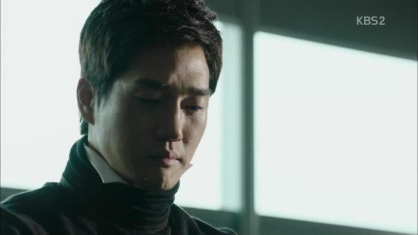 Moon Ho watches Young Shin's confession